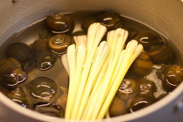 Cách làm món ốc luộc vừa sạch, vừa ngon không phải ai cũng biết